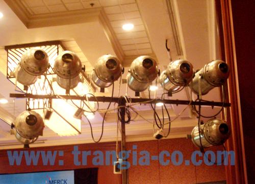 Tổ chức sự kiện Trần Gia- Cho thuê đèn sân khấu